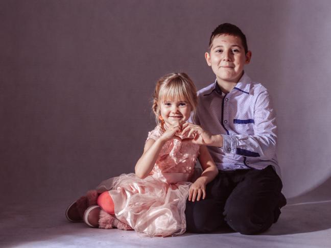 rodzeństwo na sesji zdjęciowej