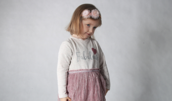 Uśmiechnięta dziewczynka, Ewa Pieloch, podopieczna Fundacji Przyszłość dla Dzieci