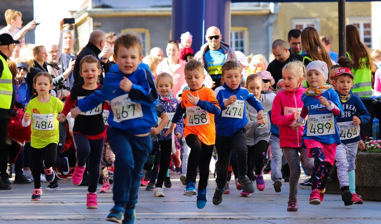 Najmłodsi uczestnicy poprzedniej edycji biegu. Fot OSiR